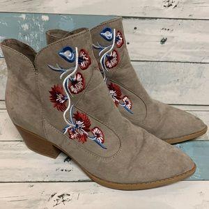 Carlos Santana boots size 9.5